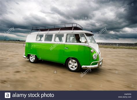 old volkswagen hippie van green vw volkswagen screen cer van bus hippie