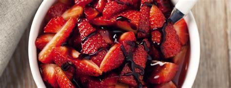 ina garten balsamic strawberries 悠長時光濃縮而成的美味 巴薩米克醋知多少 怎麼分怎麼買 nom magazine