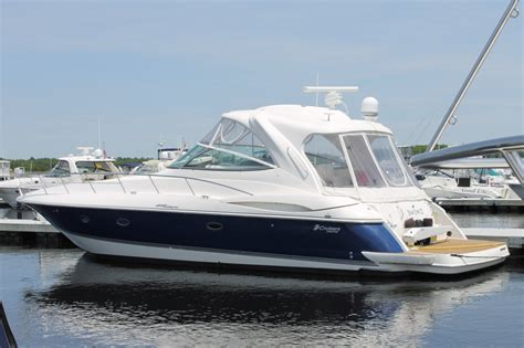 used boat table for sale 2006 cruisers yachts 460 express