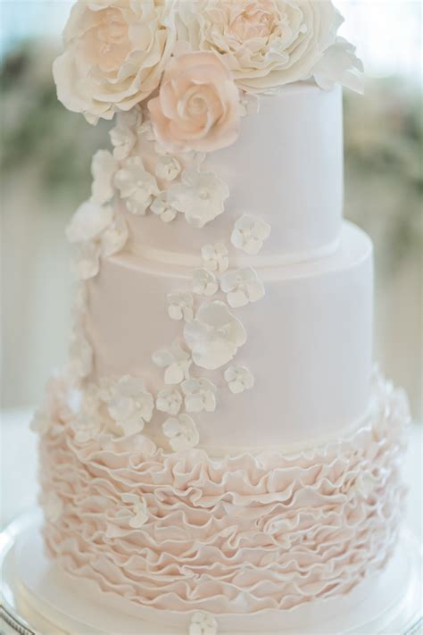 Wedding Cake Guide by Wedding Cake Guide Things To When Buying A Cake
