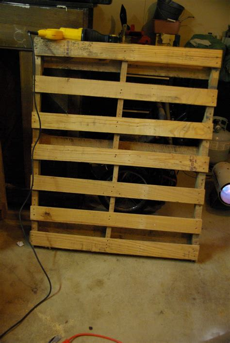 Wine Rack Ideas Wall by Diy Wall Mounted Wine Racks Made Of Pallets
