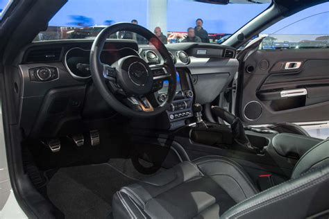 mustang gt500 interior 2018 ford mustang convertible partially drops days after