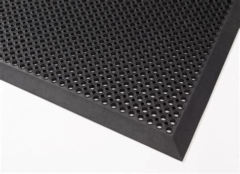 Rubber Mat by Rubber Mat With Bevelled Edging