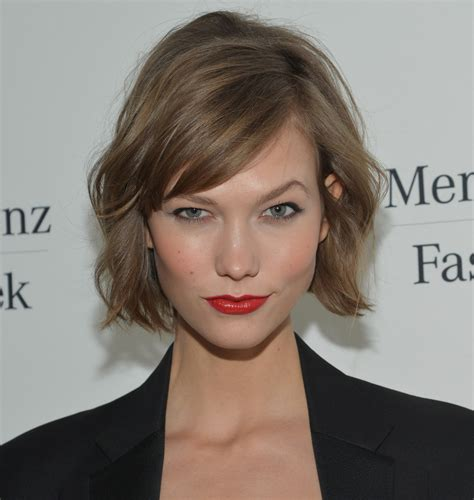 karlie kloss haircut karlie kloss short wavy cut short wavy cut lookbook