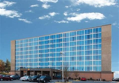 comfort inn and suites omaha attention college world series fans book your stay at