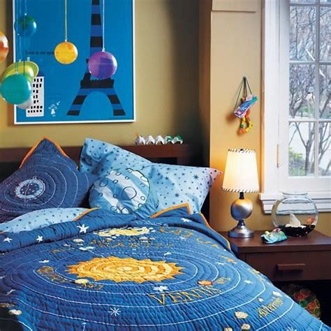 solar system bedroom decor 25 unique solar system room ideas on pinterest planets
