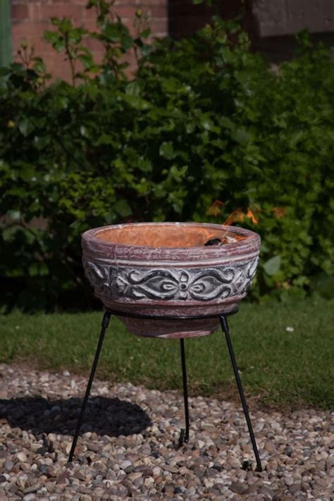 Clay Pit Bowl Small Clay Bowl With Stand Savvysurf Co Uk