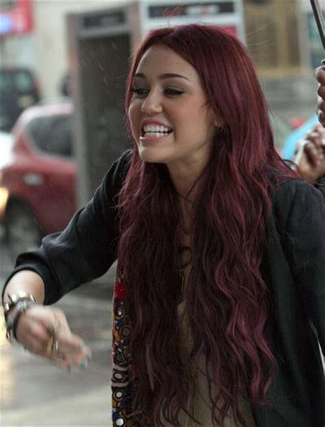 i would love to have this hair color beauty dark red hair i want this and brown for a ombre