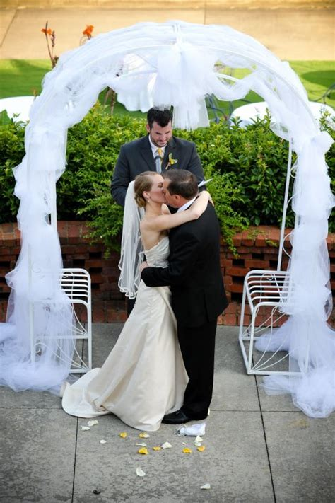 Wedding Arbor With Tulle by Things To Do With A Whole Lotta Tulle Weddingbee