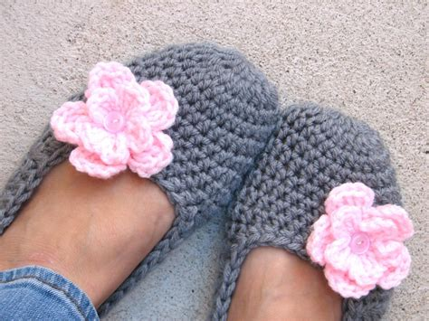 how to crochet slippers for adults crochet slippers grey with pink flower