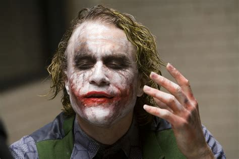 Heath Ledgers Joker Looks Familiar by 15 Cosas Que No Sab 237 As De Ledger Como El Joker