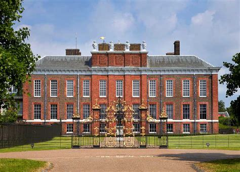 kensinton palace kensington palace tour top attractions evan evans tours