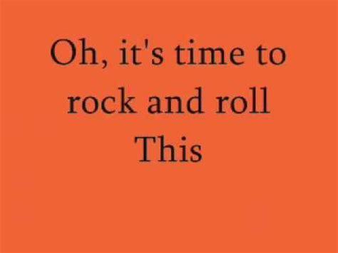 trish stratus lyrics 1000 ideas about trish stratus on pinterest mickie
