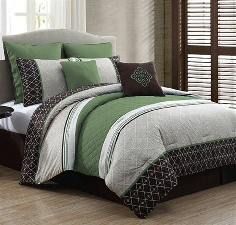 Size Bedroom Sets by New Luxurious King Size Bed In A Bag 8 Comforter Set
