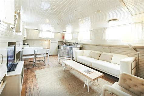 airbnb amsterdam 10 amazing airbnb s to fuel your wanderlust this