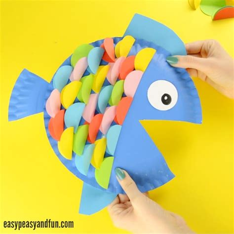How To Make Fish Out Of Paper Plates - paper plate fish craft rainbow paper circles easy