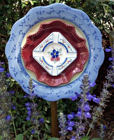 20 upcycled garden glass flowers made of plates