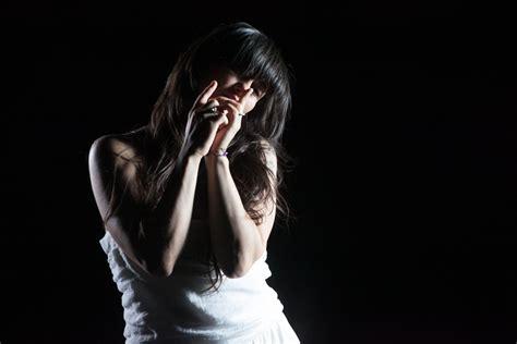 testo anima vola ascolta il nuovo singolo di elisa l anima vola onstage