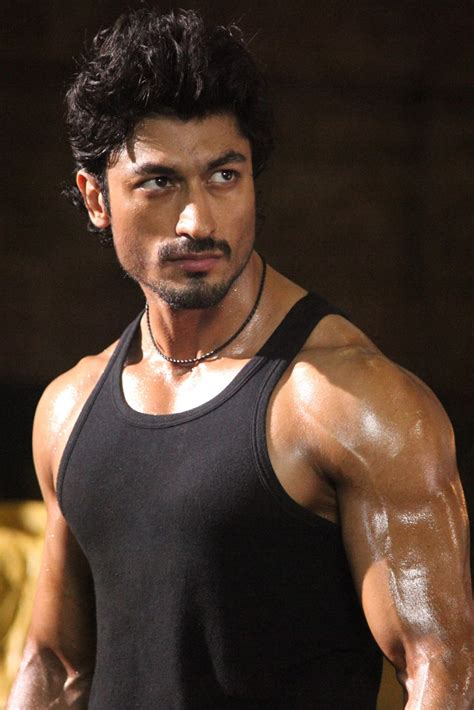 commando movie all hd photo newhairstylesformen2014 com vidyut jamwal muscular body photos