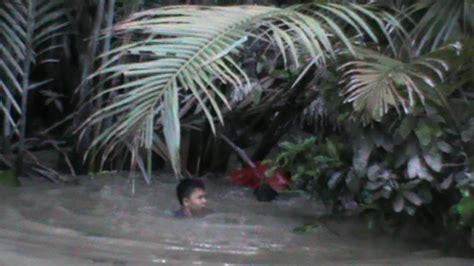 Keranjang Ayam Bangkok ditembak polisi penjudi laga ayam lompat ke sungai