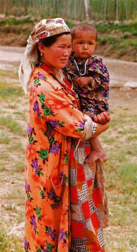uzbek traditional clothing asia travel discoveries uzbek countryside people of uzbekistan travel photos