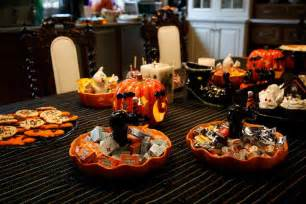 How To Decorate Your Dining Room Table 37 ideas for halloween table decorations table