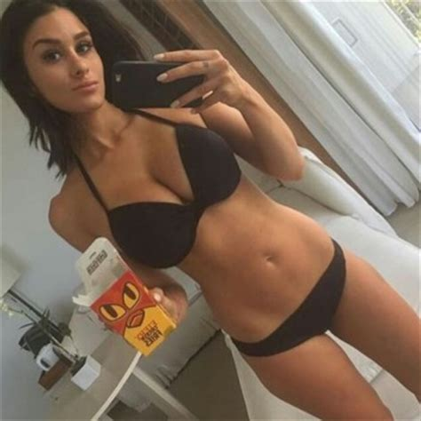 photos tres hot hot brittany furlan selfies 12 hot girls funny