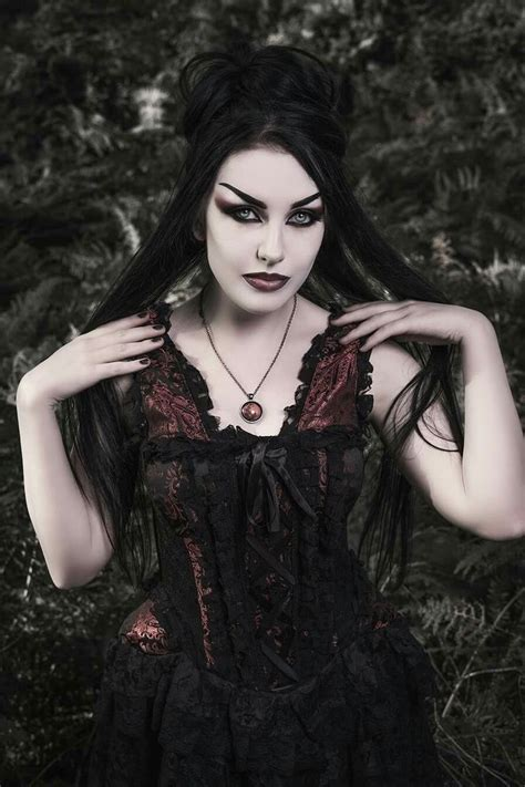 awesome 30 beautiful witch photoshoot ideas street goth