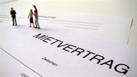 Was Muss In Einem Mietvertrag Stehen by Vermieter Darf W 228 Hrend Der Mietdauer Nicht Auf Das Konto