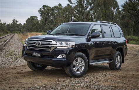 toyota land cruiser black 2017 toyota landcruiser altitude special edition announced