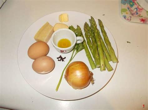 come cucinare asparagi con uova frittata di asparagi uova e frittate ricetta frittata