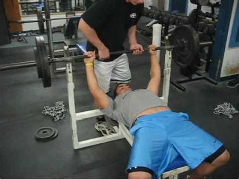 275 pound bench press 275 lb bench press 14 yr old freshman youtube