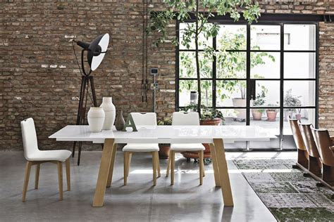 sale da pranzo moderne tavolo allungabile in metallo piano in vetro temperato