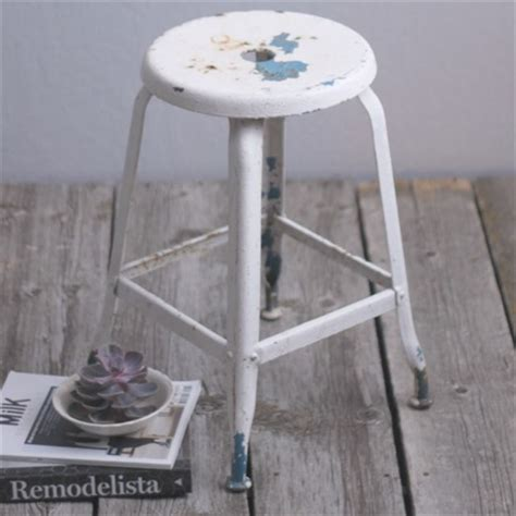 outdoor tv lift 5722 cast metal stool farmhouse bar stools and counter