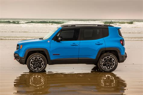 jeep renegade trailhawk blue 2015 jeep renegade trailhawk first test motor trend