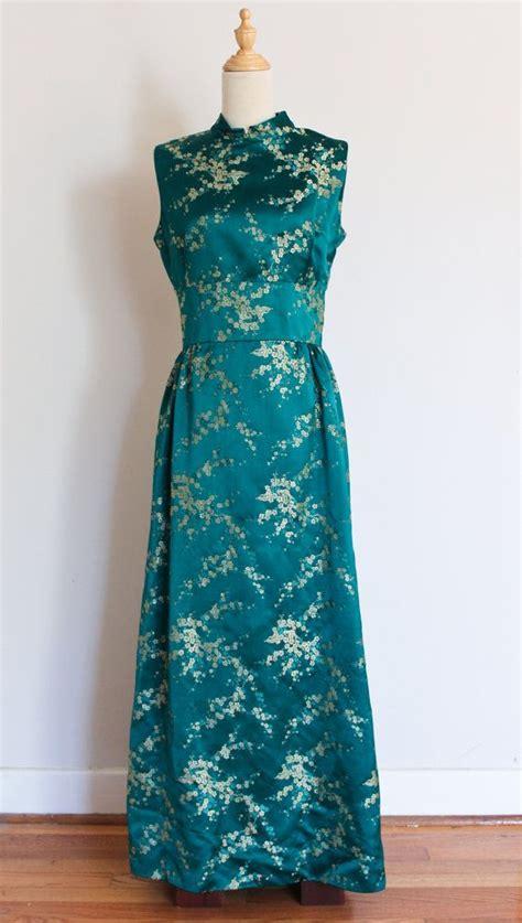 Kr6 Maxi Savirna Green 1960s jade green brocade maxi dress vintage green floral cheongsam