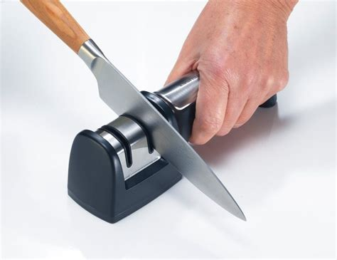 sharpening kitchen knives with a 2018 knife sharpener 101 finding the best knife sharpener you can get supergrail