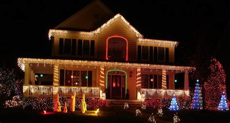 pictures of homes decorated for christmas on the inside residential commercial holiday lighting
