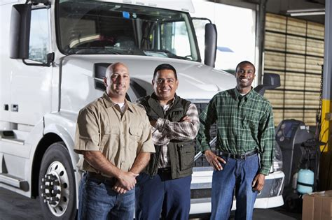 Trucker Do It On All Fours four things a truck driver should do while driving nettts new tractor trailer