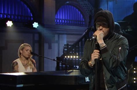 eminem on snl eminem brings present and past to 2017 quot snl quot performance