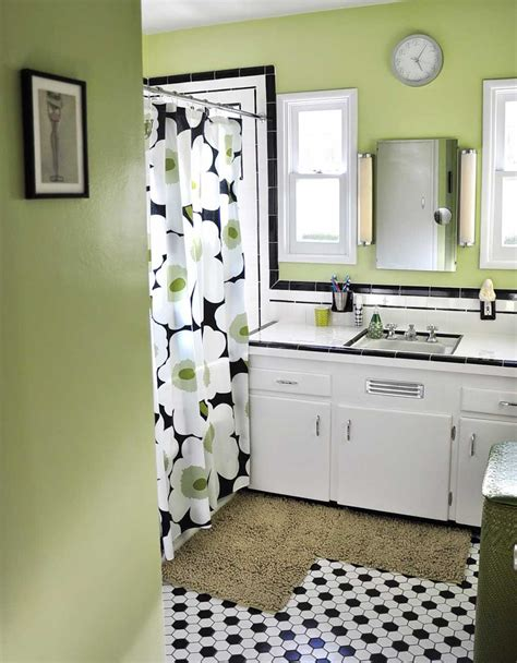 black  white tile bathrooms    ways retro renovation