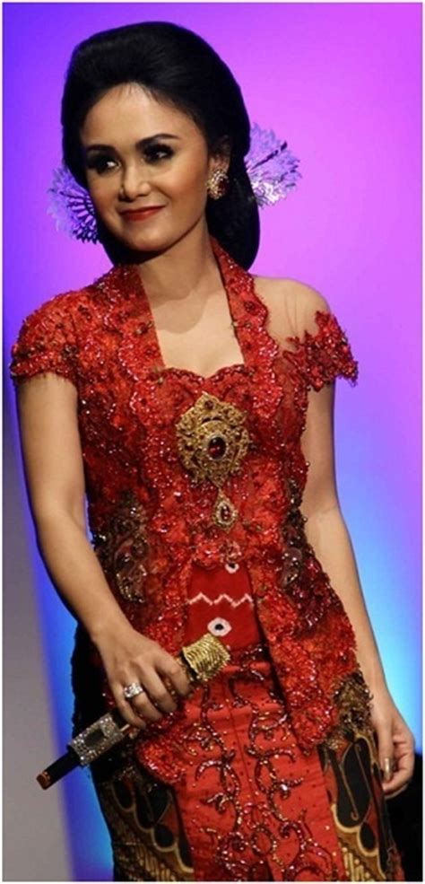 Dress Anggun Brukat Merah sleeve kebaya tetap cantik heritage fashion sleeves