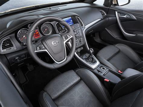 opel cascada interior opel cabrio precios equilibrado y equipamiento completo
