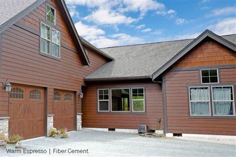 house siding that looks like wood woodtone fiber cement lap siding and shake panels beautiful rustic home siding that