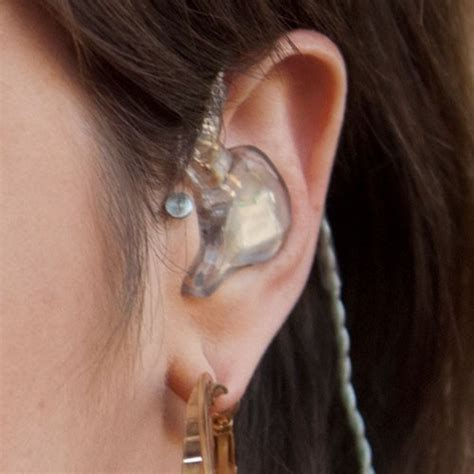 does miley cyrus have stretched lobes celebrity tragus piercings page 2 of 4 steal her style