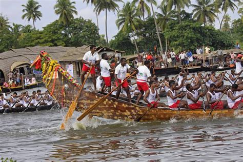 kerala boat race pictures guide to kerala snake boat races fun monsoon festivals