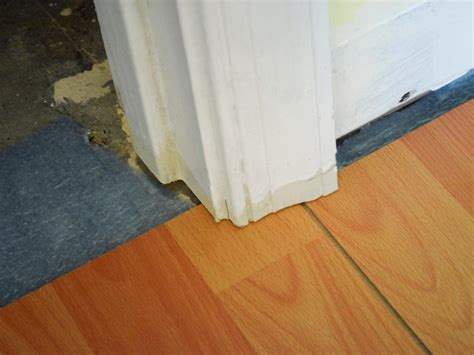 Diy Laminate Flooring How To Install A Laminate Floor How Tos Diy