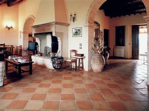colore pavimento colori per le pareti con pavimento in cotto quali