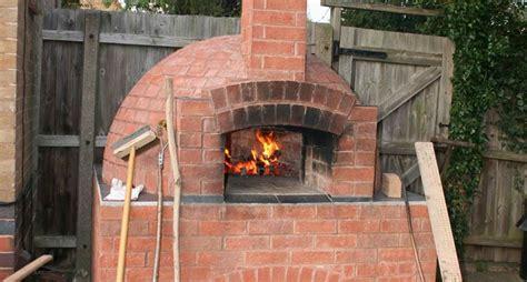 forni a legna con barbecue da giardino forno a legna da giardino barbecue forno a legna per