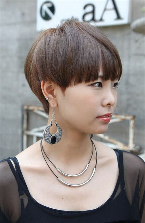 Boyish Haircuts On Redheaded Women With Blunt Front Bangs | boyish short haircut with blunt bangs asian hairstyles